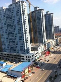 (菏泽)国贸中心4室2厅2卫161m²简单装修