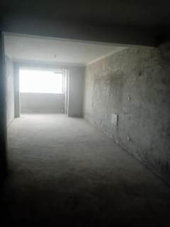 1号学府3室2厅2卫120万125m²简单装修出售